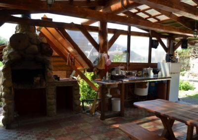 Гостевой домик.  Гостевая терраса с мини-кухней.